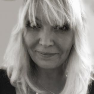 Julie Fearnley